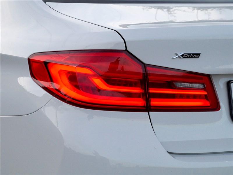 BMW 520d 2017 задний фонарь