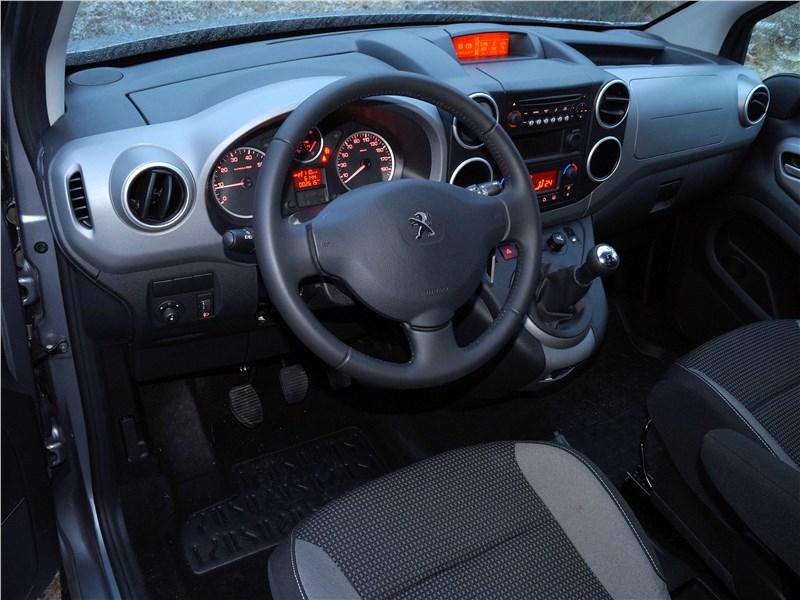 Peugeot Partner Tepee 2016 салон