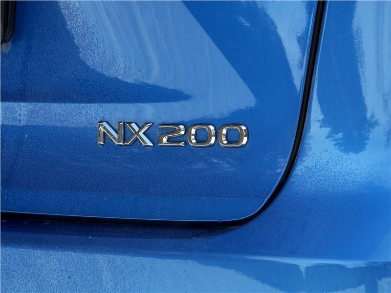 Lexus NX 2018 шильдик