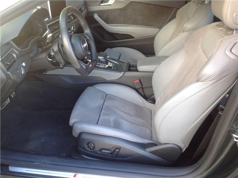 Audi A5 Coupe 2017 передние кресла