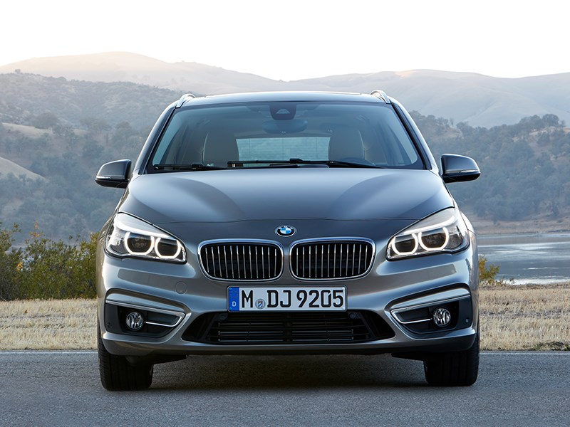 BMW 2 Series Active Tourer 2014 вид спереди фото 3