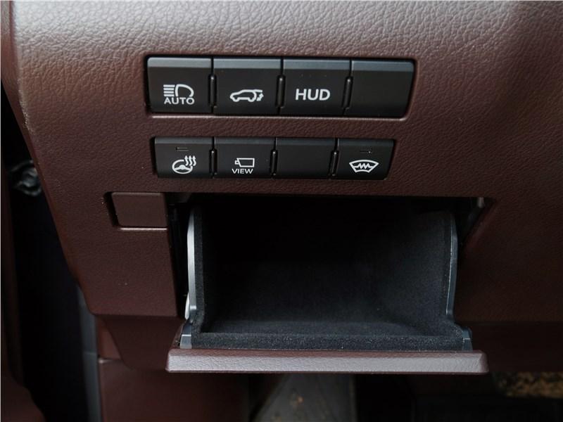 Lexus RX 350L 2018 функциональные кнопки