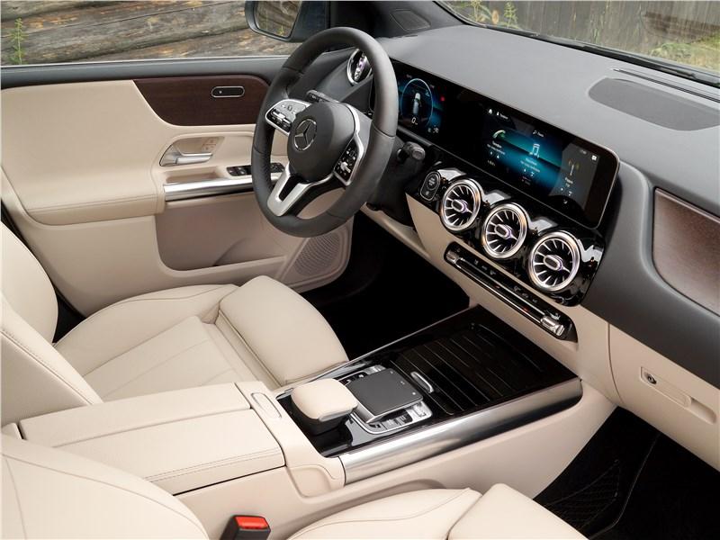 Mercedes-Benz B-Class 2019 салон