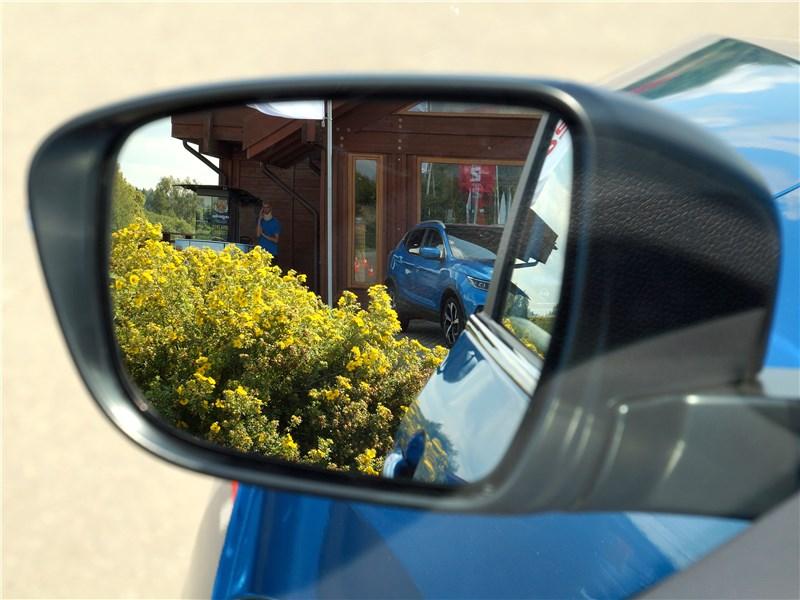 Nissan Qashqai 2018 боковое зеркало