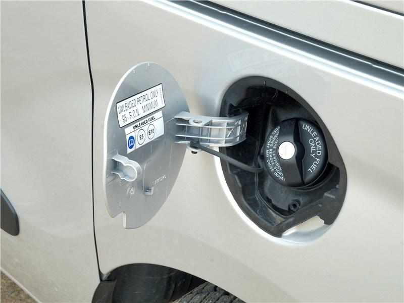 Fiat Doblo 2015 крышка горловины топливного бака