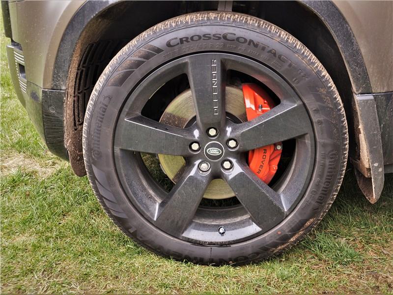Land Rover Defender 90 (2020) переднее колесо