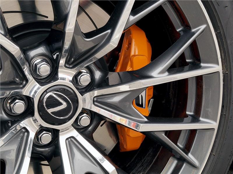 Lexus GS F 2016 колесо