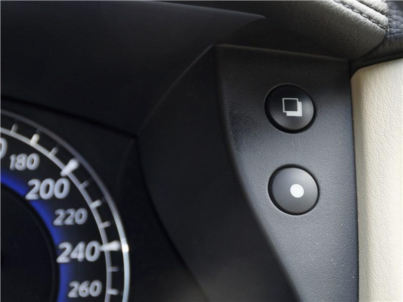 Infiniti QX50 2016 кнопки управления бортовым компьютером