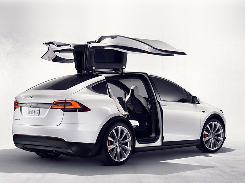 Руководитель Tesla Илон Маск поведал оновом электрическом кроссовере Model Y