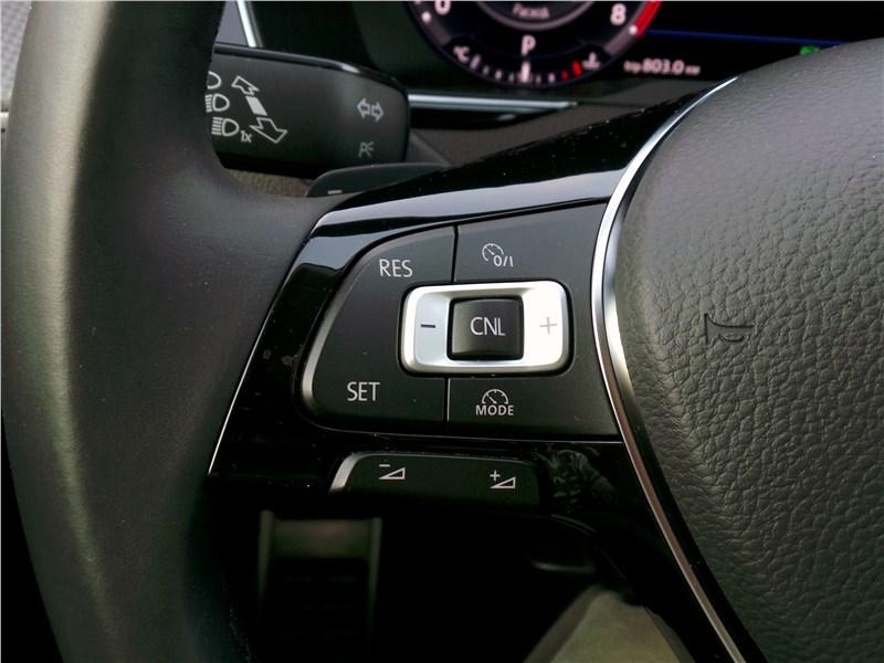 Volkswagen Passat Alltrack 2016 руль