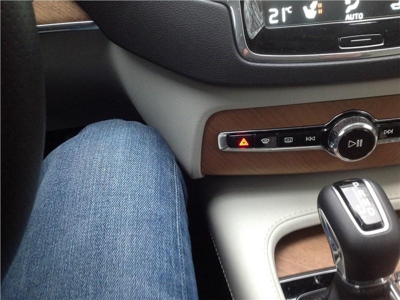 Volvo XC90 2015 эргономика