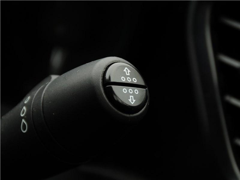 Lada Vesta 2015 подрулевой лепесток