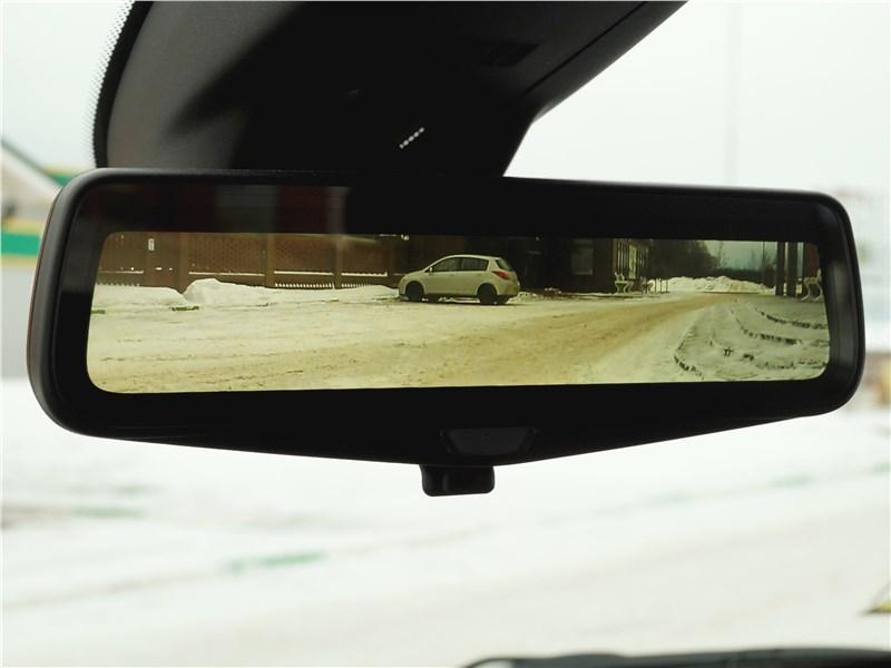 Cadillac XT5 2017 внутрисалонное зеркало