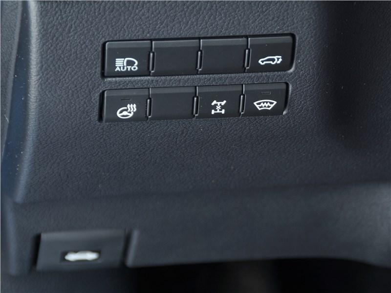 Lexus NX 2018 кнопки