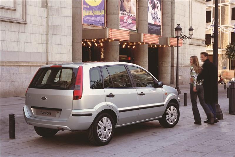 Ford Fusion 2002 статика фото 11
