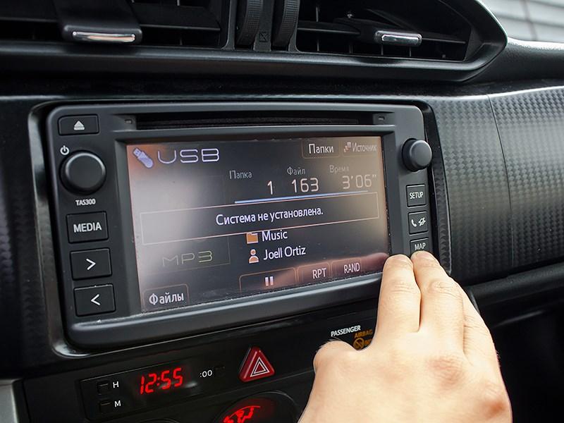 Toyota GT86 2012 бортовой компьютер