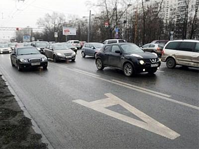Московские власти решили не выпускать автомобилистов на выделенные полосы даже по ночам