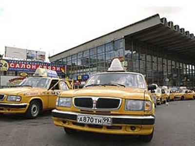 Москва догнала Нью-Йорк по количеству легально оформленных такси