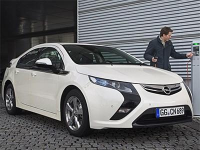 Гибридный седан Opel Ampera покинет рынок через два года