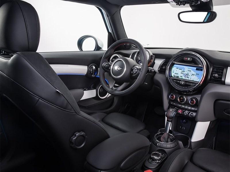 Mini Cooper 5-door 2014 салон