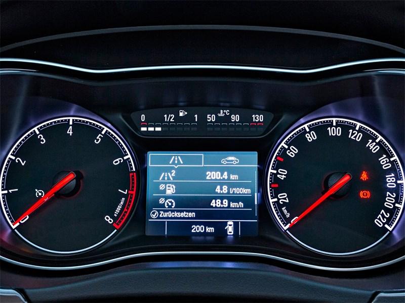 Opel Corsa 2015 приборная панель