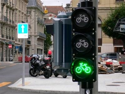В Москве построят велодорожки и оборудуют перекрестки светофорами для велосипедистов