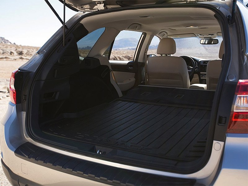 Subaru Outback 2015 багажное отделение