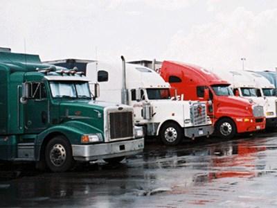 Легковые машины не будут принудительно эвакуировать с парковок для грузового транспорта