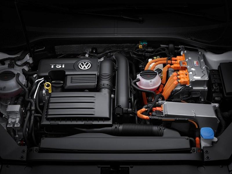 Volkswagen Passat GTE 2015 двигатель