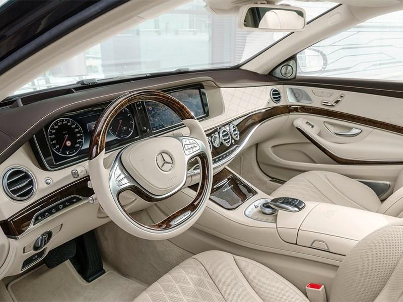 Mercedes-Maybach S 600 2015 водительское место