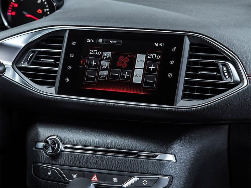 Peugeot 308 GTi 2015 монитор