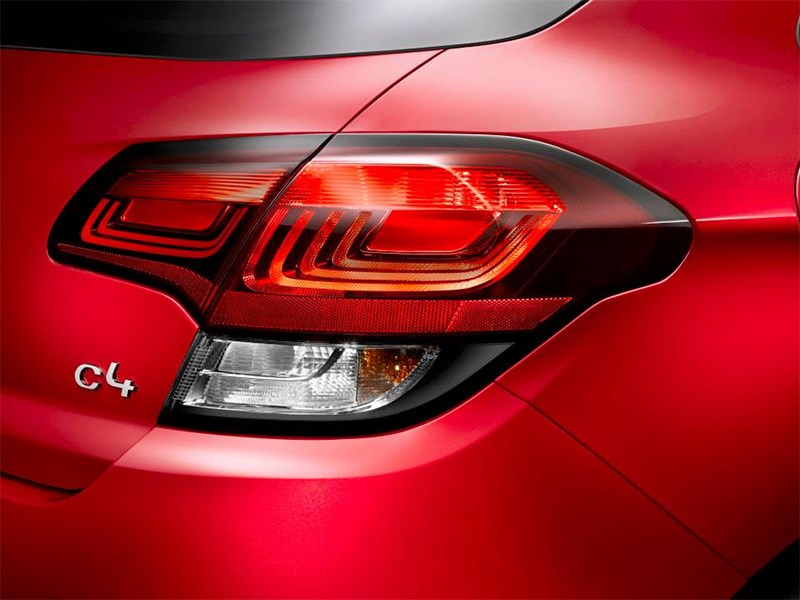 Citroen C4 2015 задний фонарь