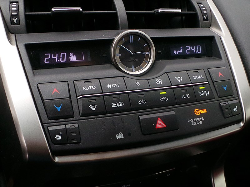 Lexus NX 2014 управление климатом
