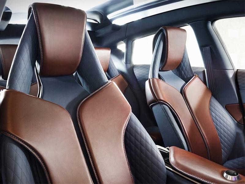 Infiniti QX30 Concept 2015 передние кресла