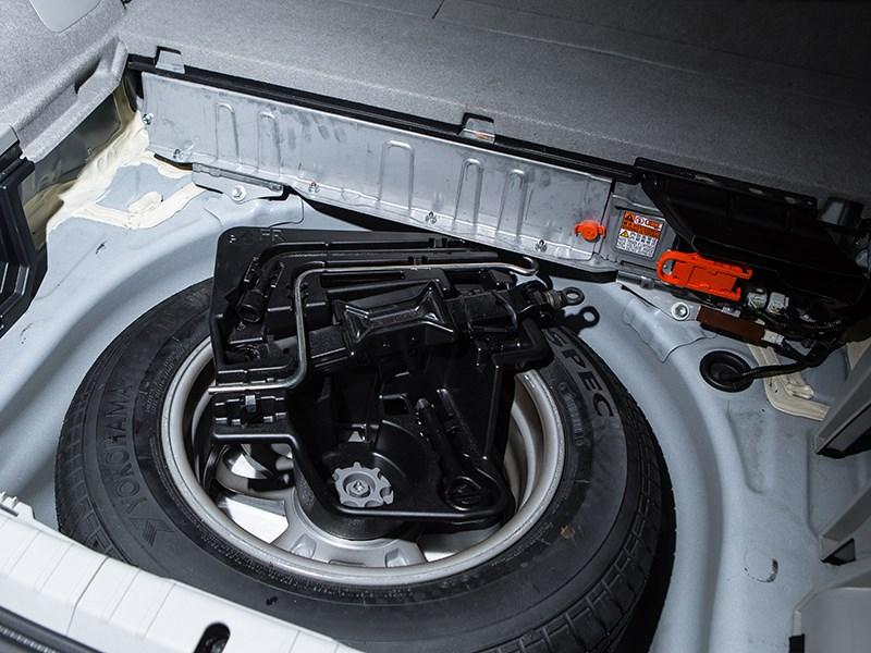 Toyota Prius 2015 запаска