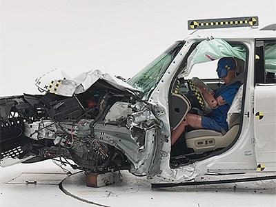 Страховой институт дорожной безопасности США назвал самые безопасные кроссоверы