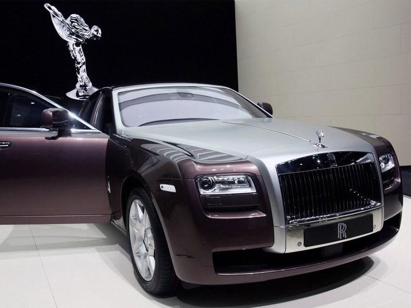 Минфин формирует критерии налога на «роскошные» авто.