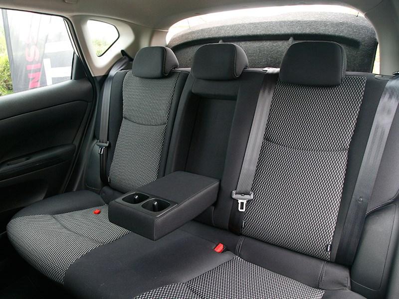Nissan Tiida 2015 задний диван