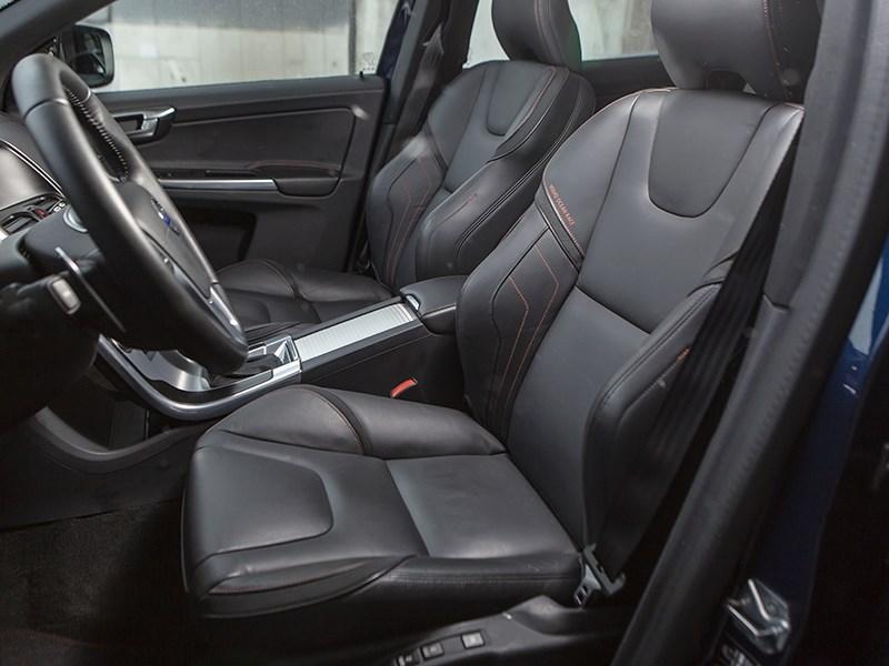 Volvo XC60 2014 передние кресла