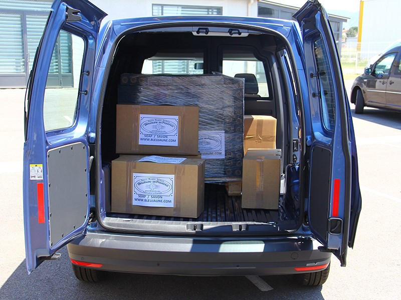 Volkswagen Caddy 2016 багажное отделение 3