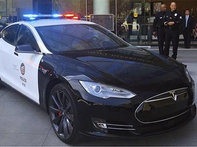 Полиция Лос-Анджелеса пересядет на электрокары