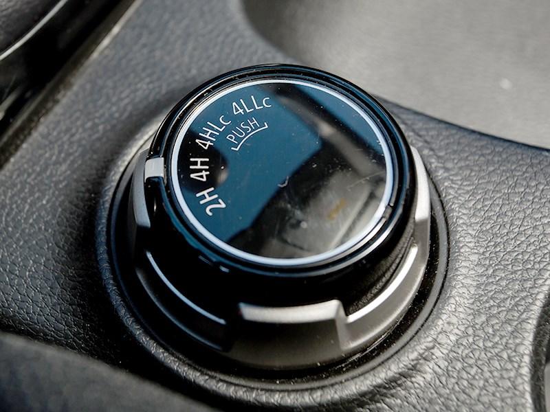 Mitsubishi L200 2015 переключение трансмиссии