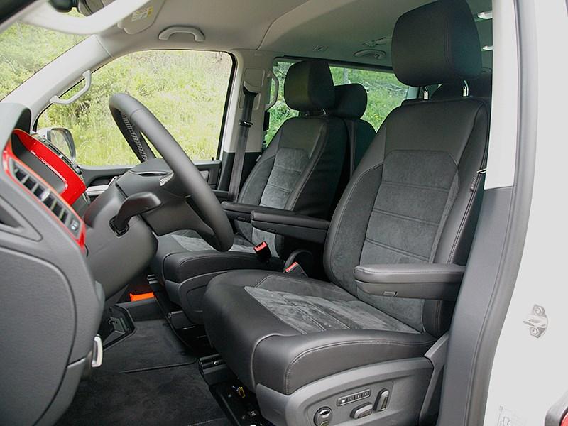 Volkswagen Multivan 2015 передние кресла