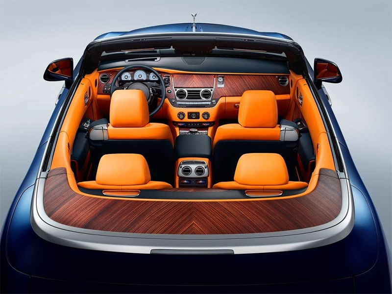 Rolls-Royce Dawn 2017 салон вид сзади
