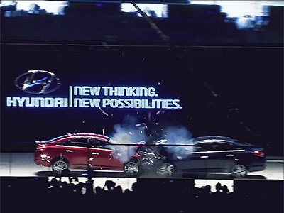 Hyundai столкнул два одинаковых седана из разных стран