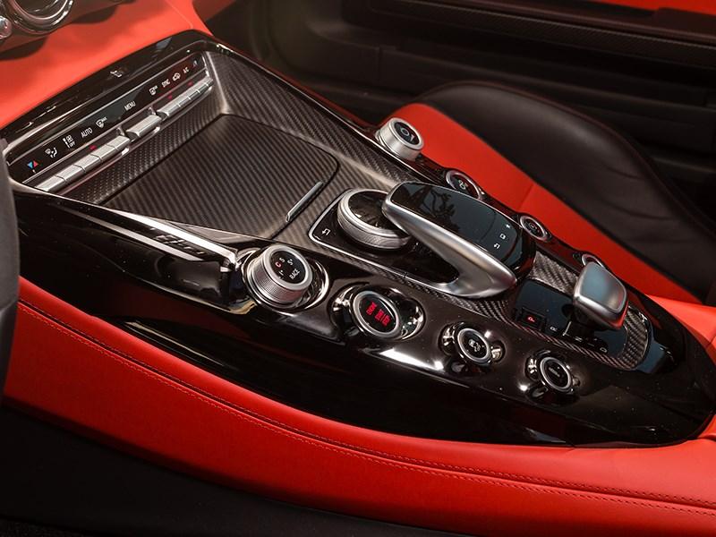 Mercedes-AMG GT S 2015 центральная консоль