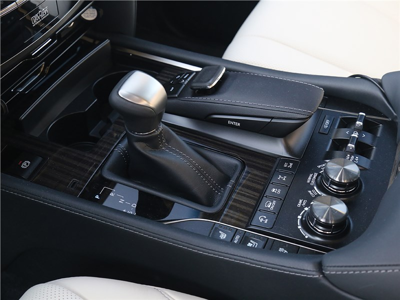 Lexus LX 2016 6АКПП