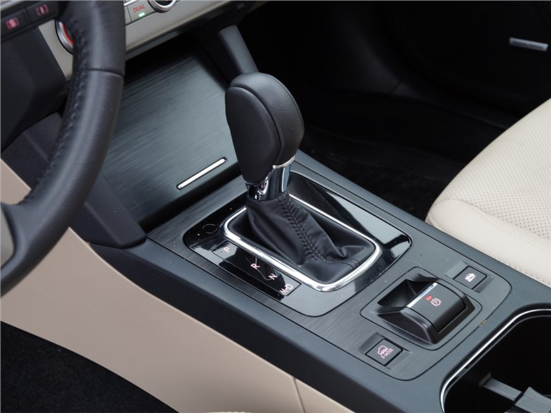 Subaru Outback 2015 АМКПП