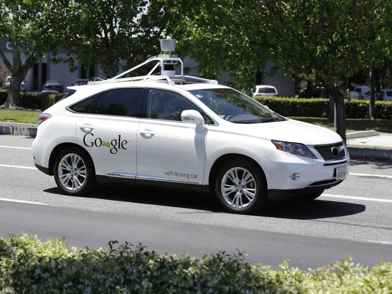 Робомобиль Google впервые стал виновником ДТП