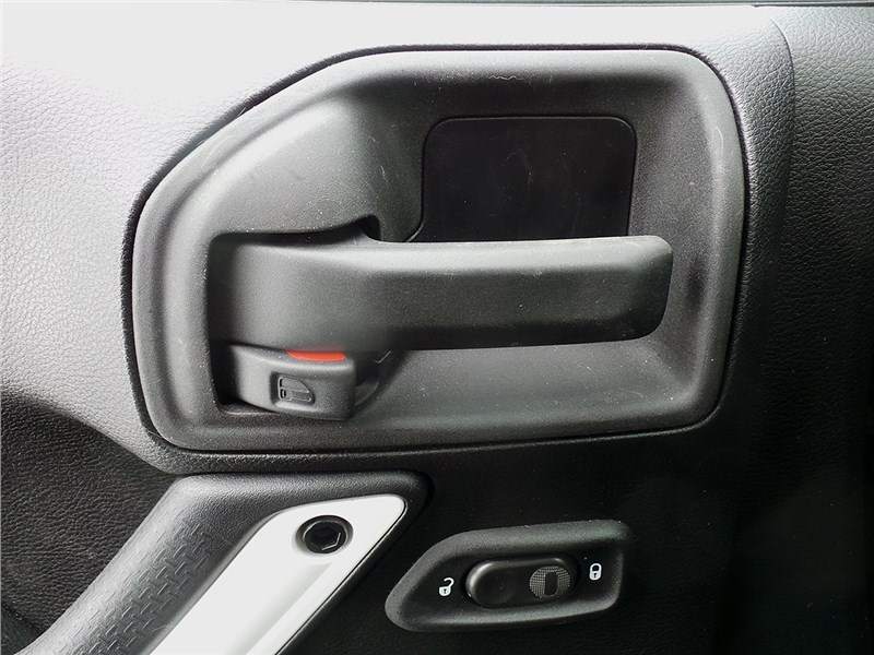 Jeep Wrangler 2007 ручки дверей